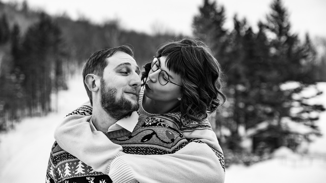kiss me winter couples session mouse island creatives photography black white